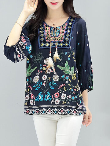 Embroidered 3/4 Sleeve Blouses SKU758585