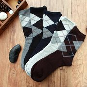 Men's Fall Winter Sports Breathable Thick Casual Rhombus Middle Tube Cotton Socks