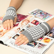 Classical Screen Touch Half Fingerless Gloves Woolen Knitted Pineapple Wrist Gloves