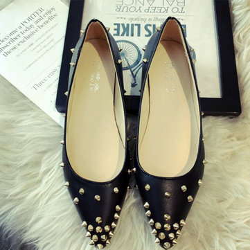 European Rivet Metal Pointed Toe Pure Color Flat Shoes