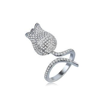 Роскошное кольцо из циркона